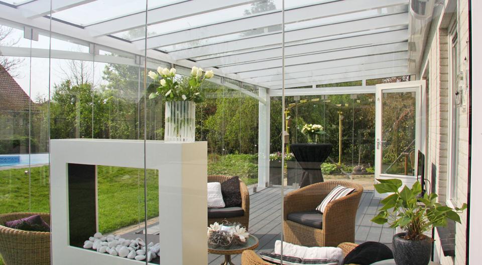 tuinkamer van glas met aluminium