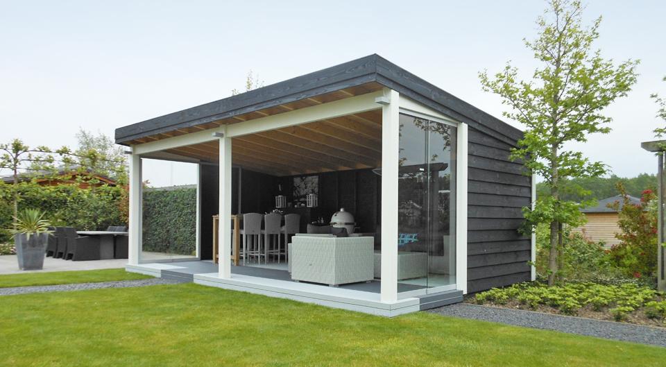 moderne tuinkamer van hout met glas